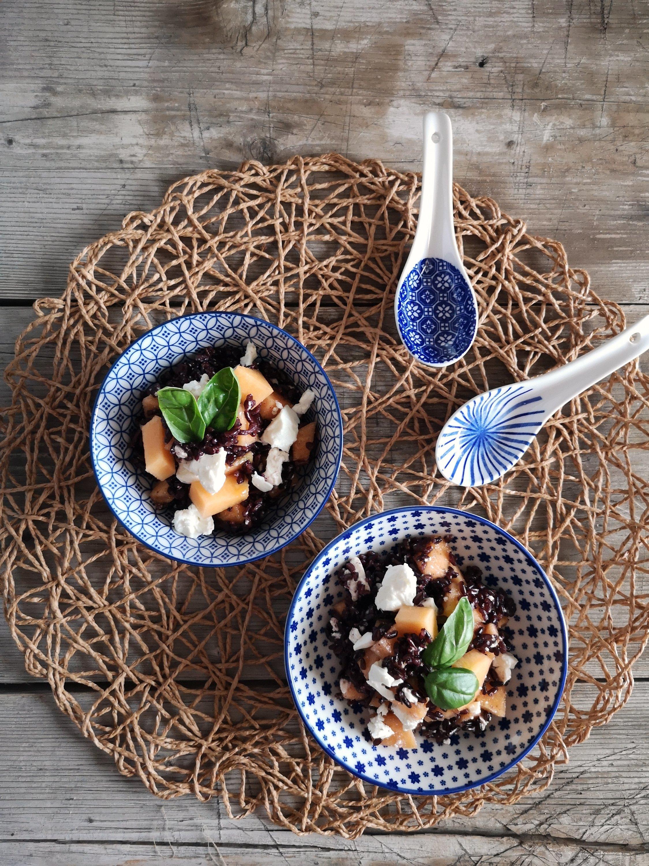 La ricetta del riso venere con feta e melone