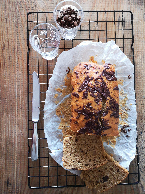 Plumcake al caffè, ricotta e scaglie di cioccolato
